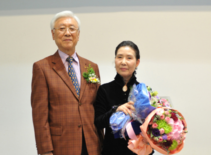홍계숙수상자와 우성영회장 -1-1.jpg